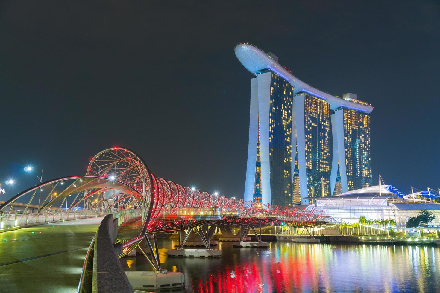 ville de singapour la nuit photo