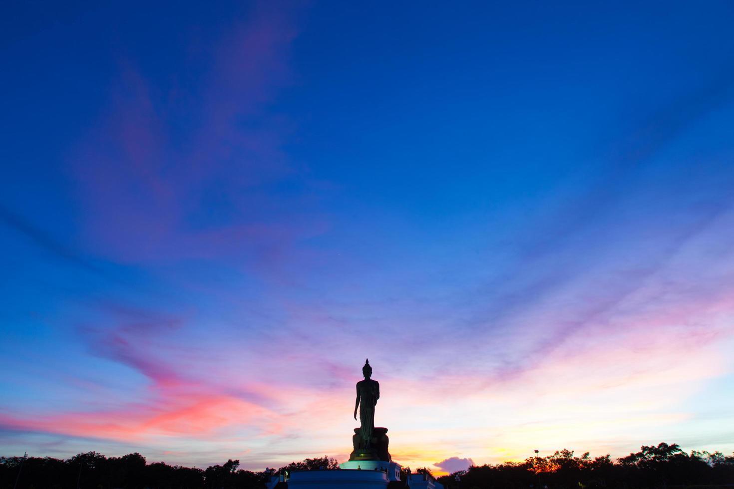 Grande statue de Bouddha en Thaïlande photo