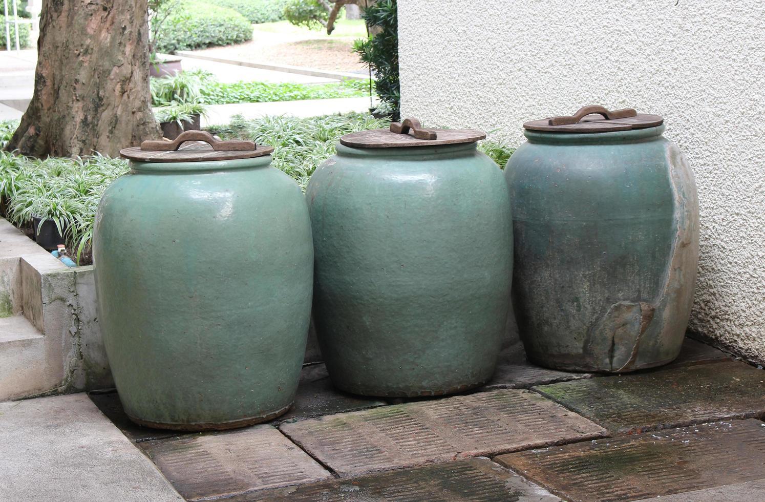 pots à eau vintage photo
