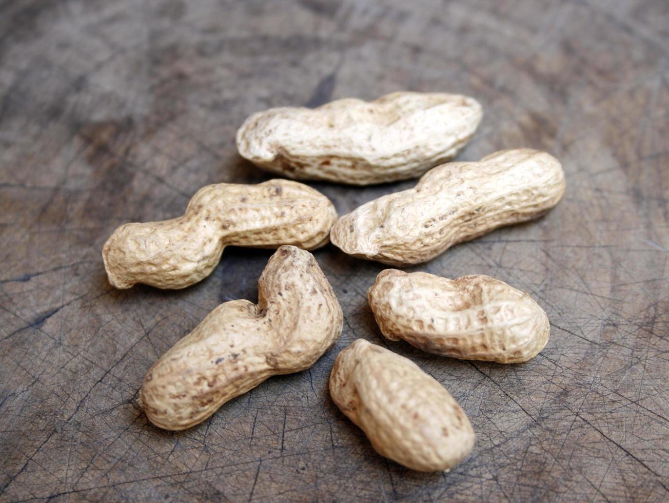 coquilles d'arachide naturelles photo