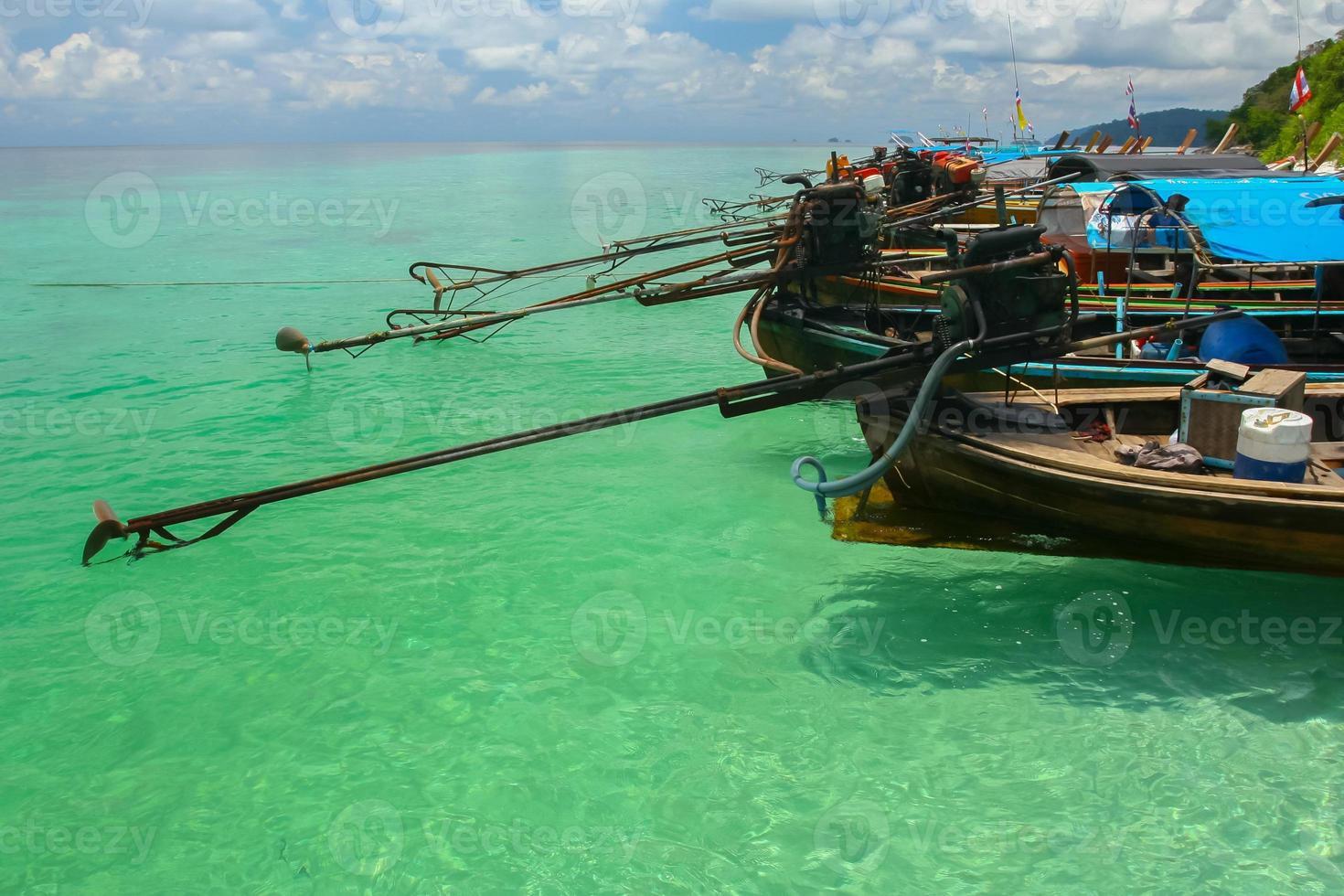 Ko Poda, Thaïlande, 2020 - longboats d'affilée photo