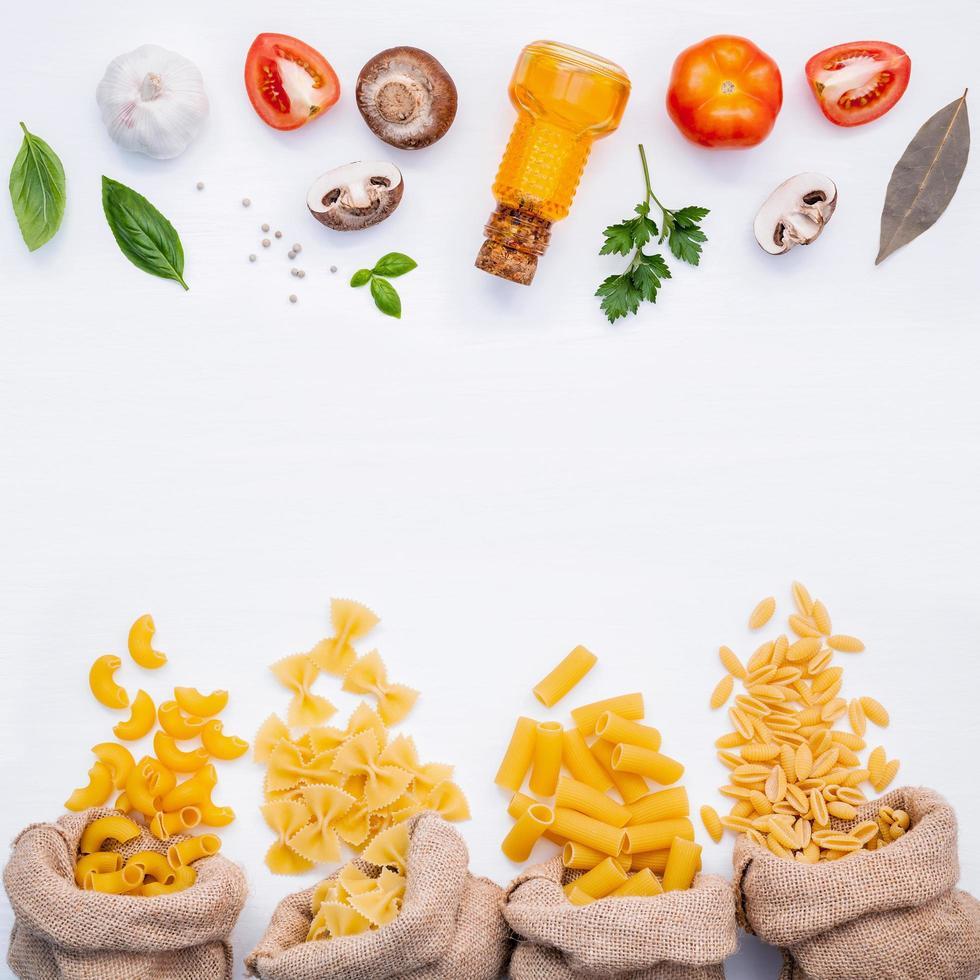 pâtes et ingrédients de cuisine avec espace copie photo