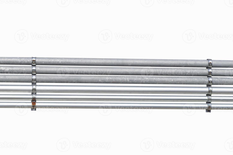 tuyau métallique isolé sur fond blanc photo