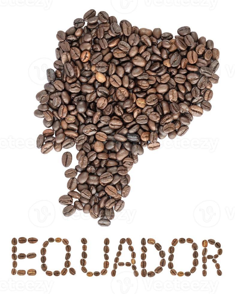 Carte de l'Équateur faite de grains de café torréfiés isolé sur fond blanc photo