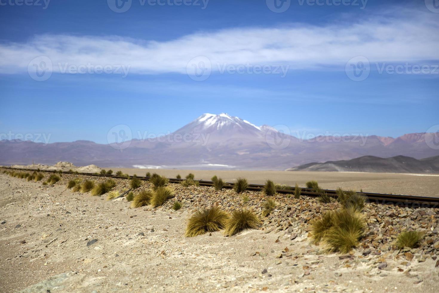 Volcan Licancabur en bolivie photo