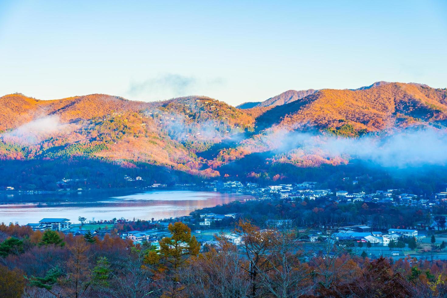 Beau paysage autour du lac Yamanakako, Japon photo