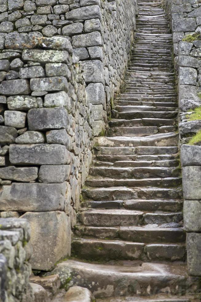 vieux escaliers en pierre photo