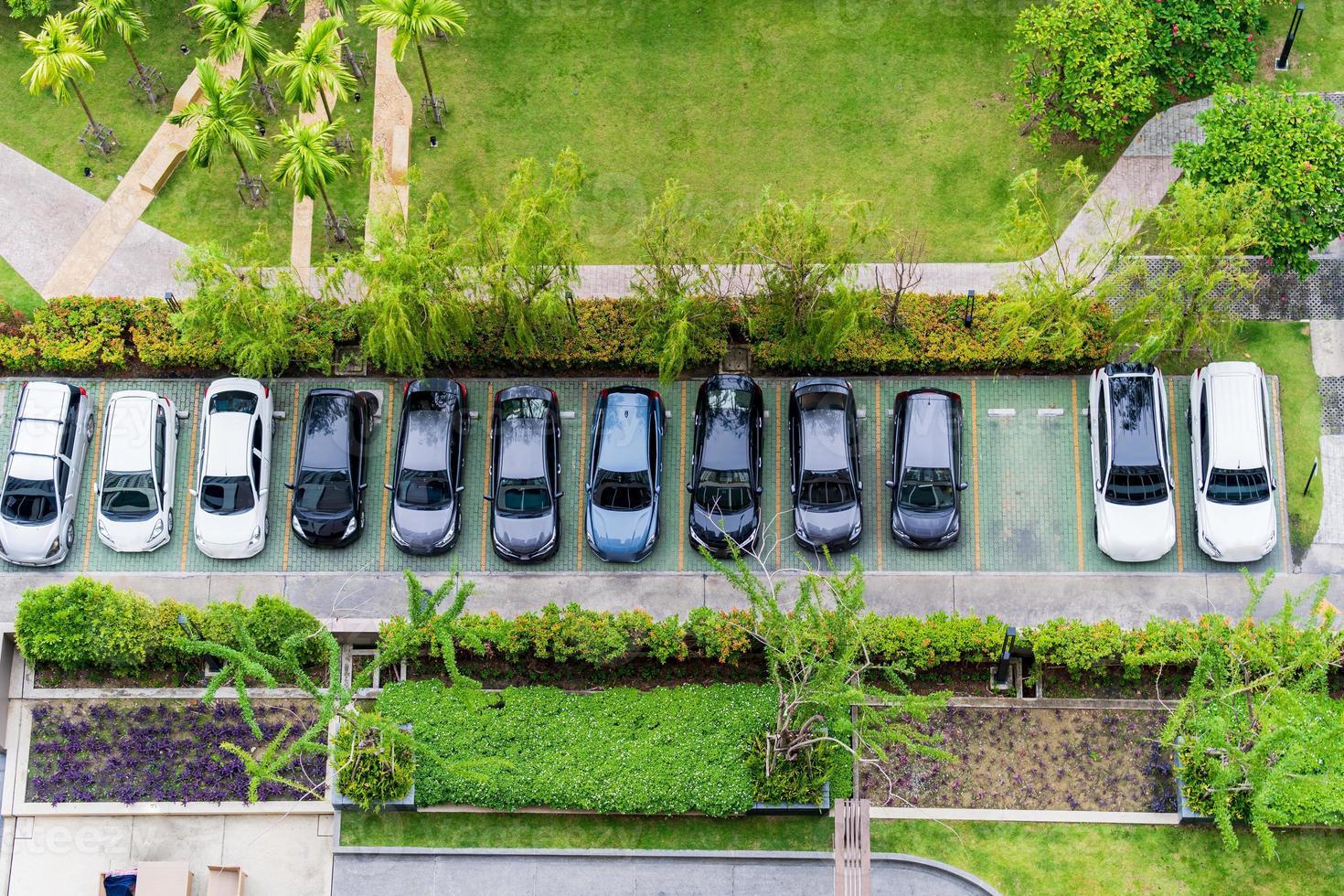 vue aérienne de dessus du parking photo