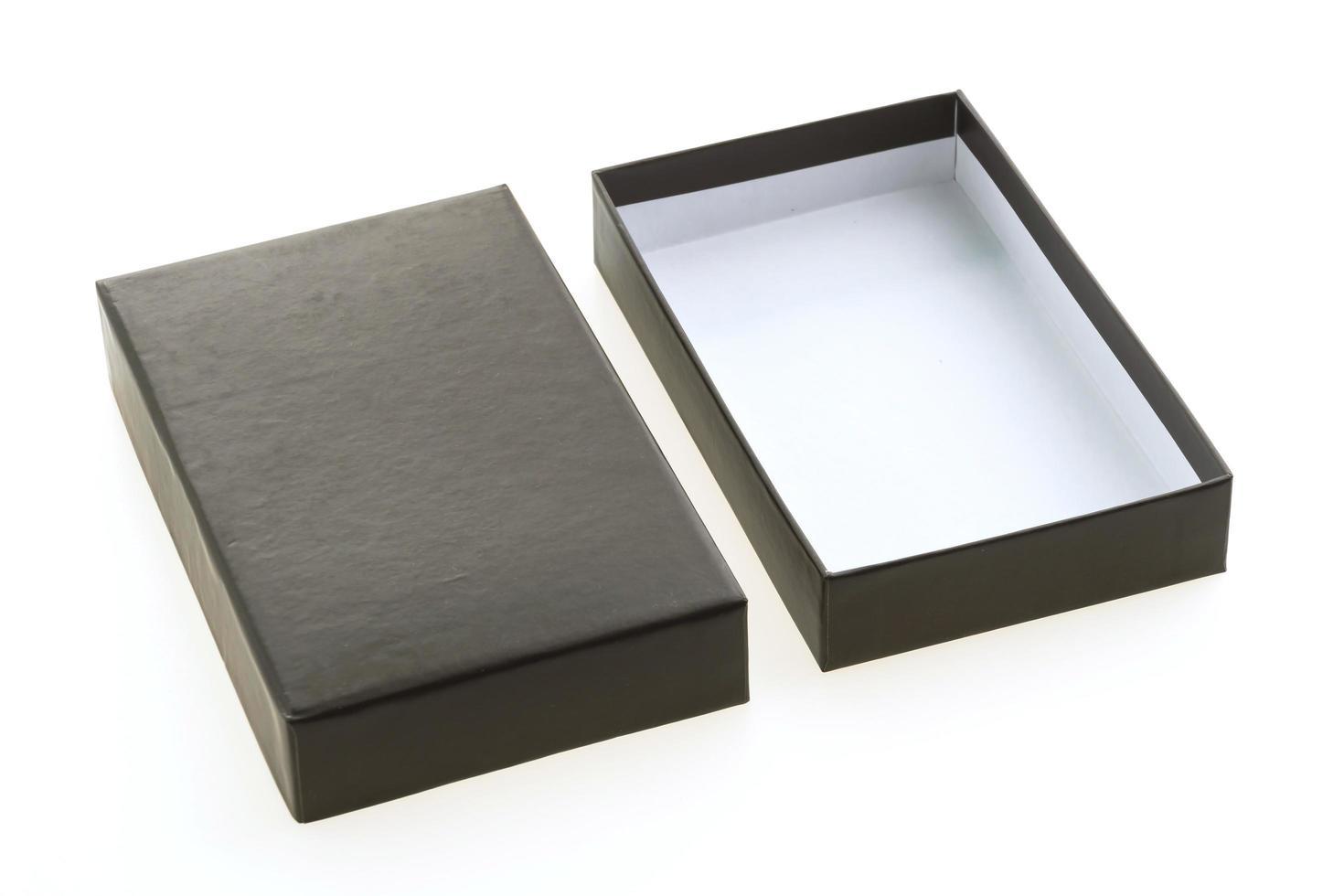 boîte noire sur fond blanc photo