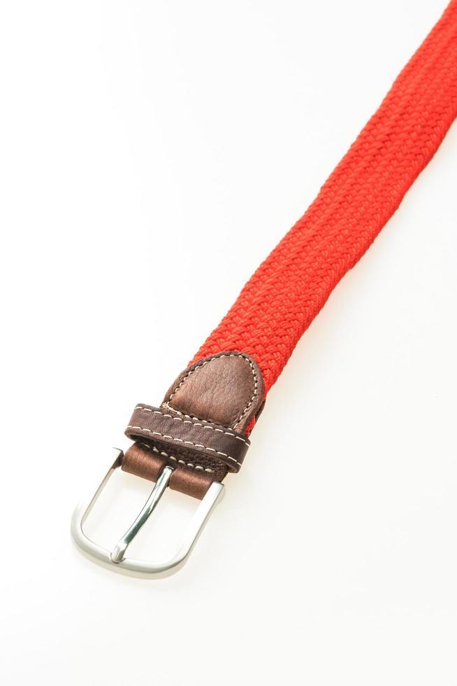 ceinture avec boucle sur fond blanc photo