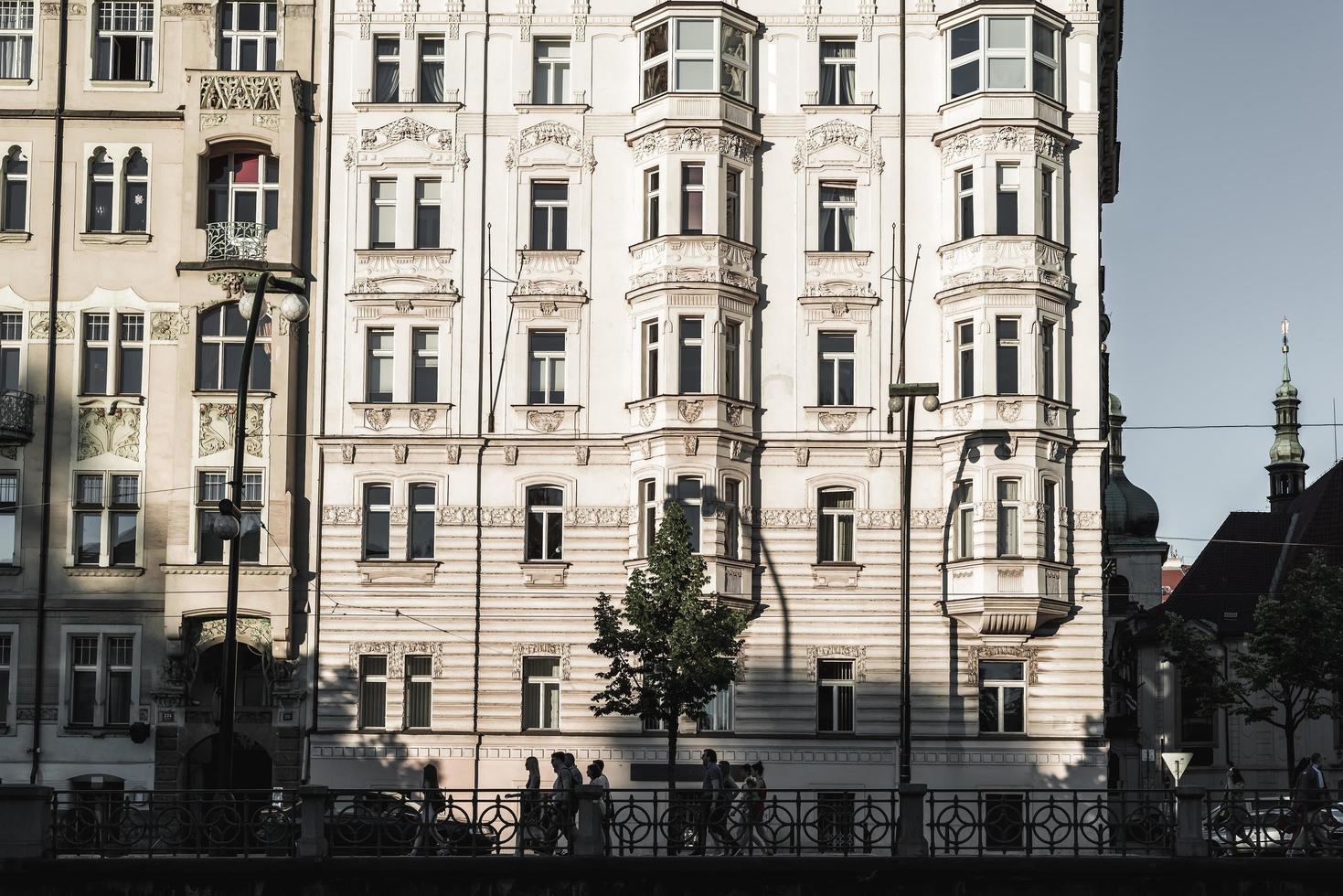 Prague, République tchèque 2017 - touristes sur la rue Masarykovo photo