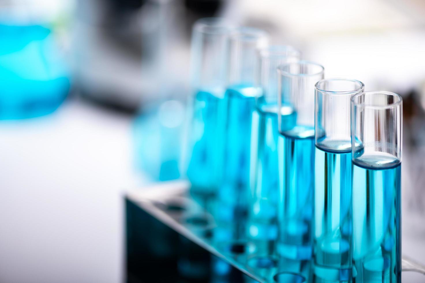 tubes à essai bleus photo