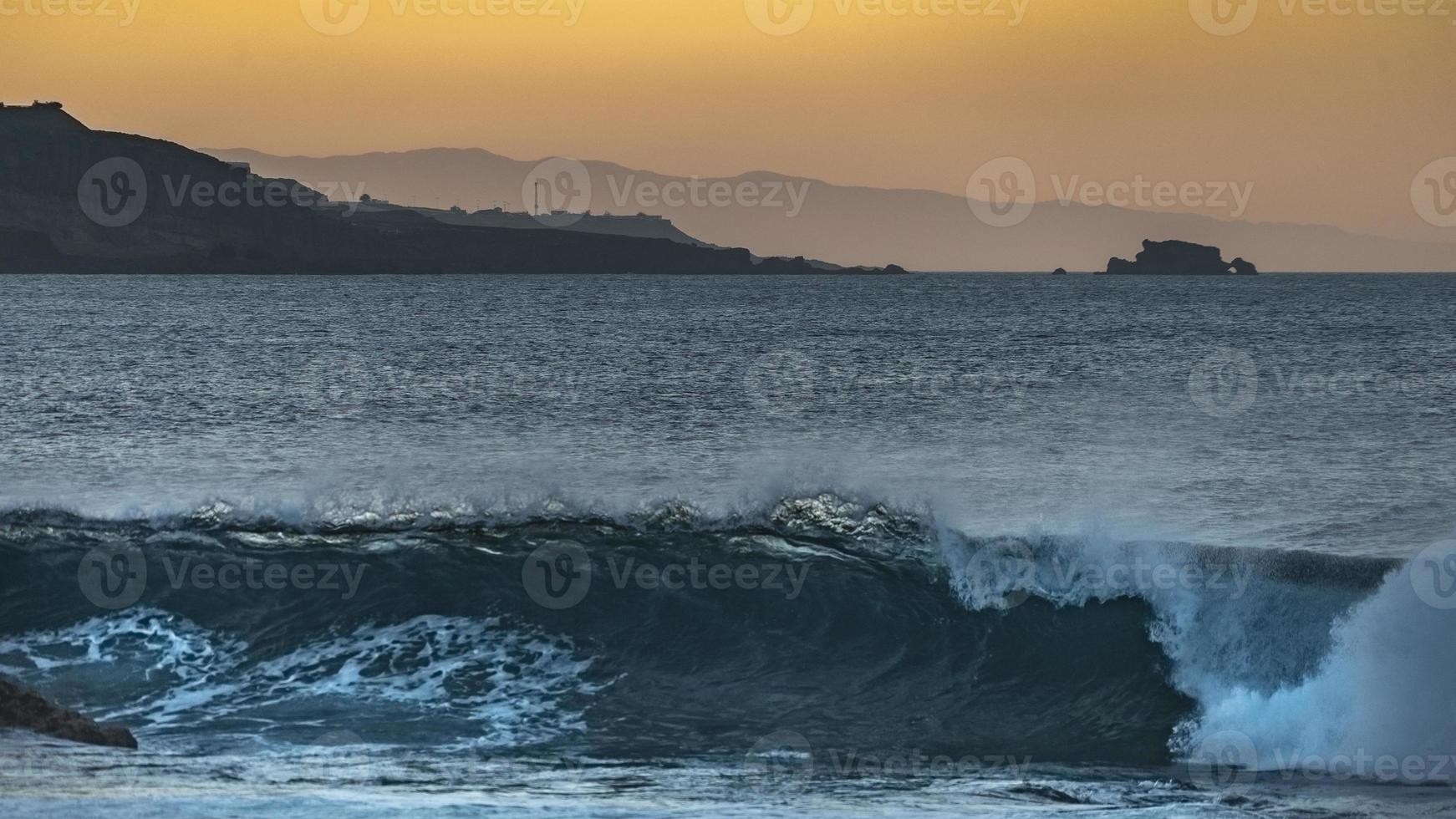coucher de soleil sur la côte de gran canaria photo