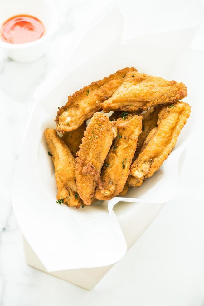 aile de poulet frit croustillant photo