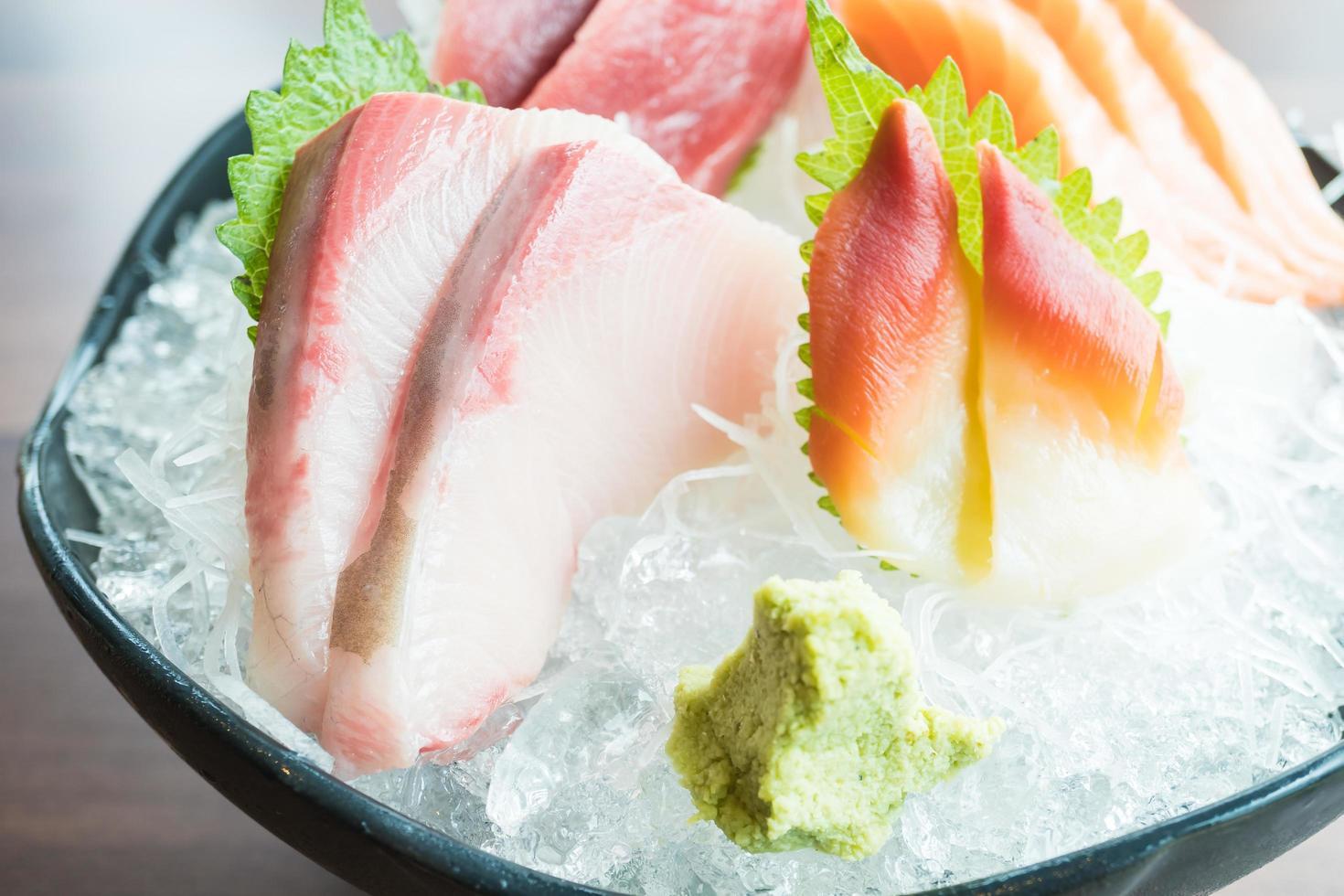 sashimi frais cru photo