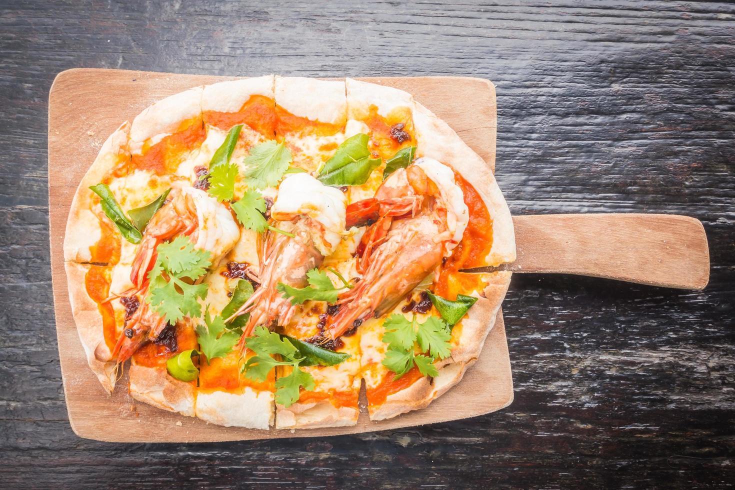 pizza tom yum photo