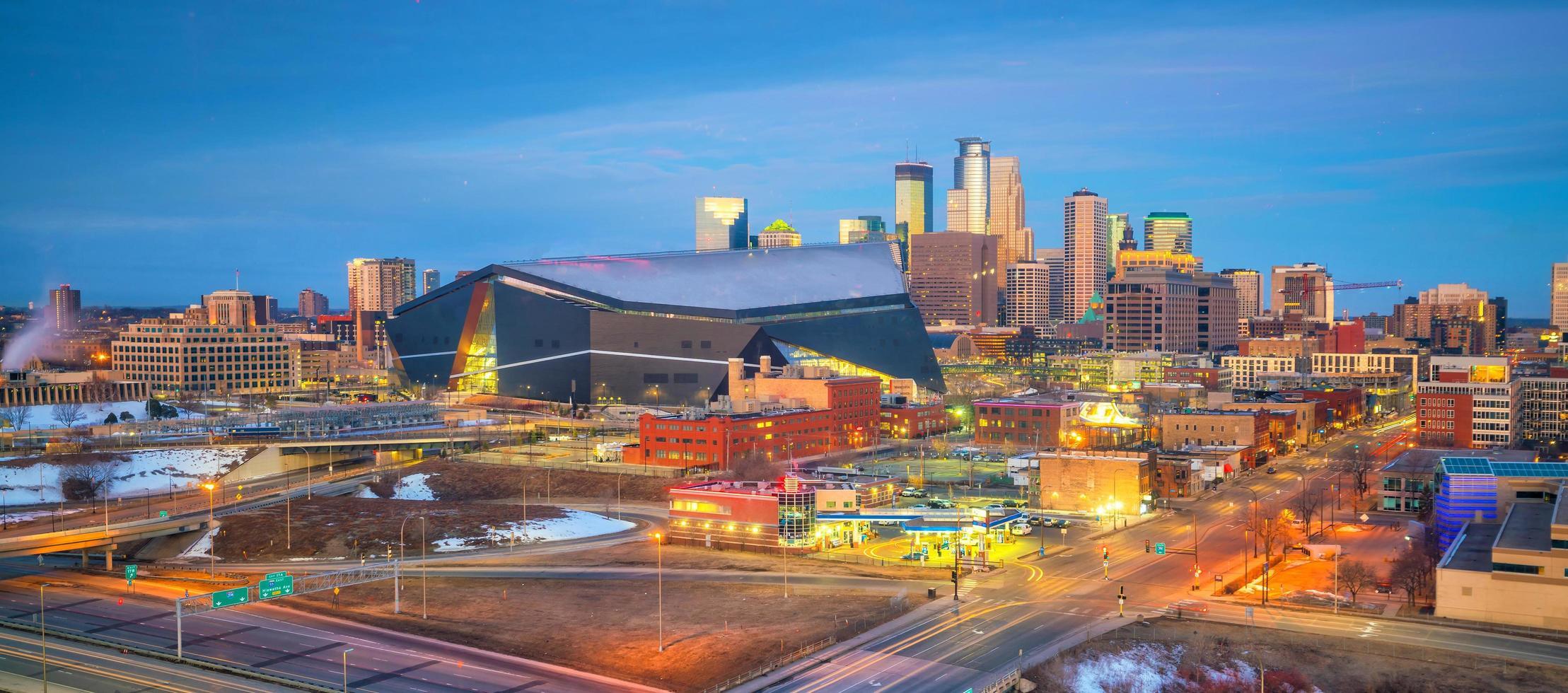 Skyline du centre-ville de Minneapolis dans le Minnesota, États-Unis photo