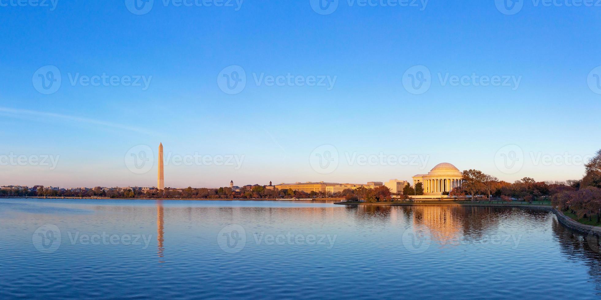 Jefferson Memorial et Washington Monument, Washington DC, USA photo