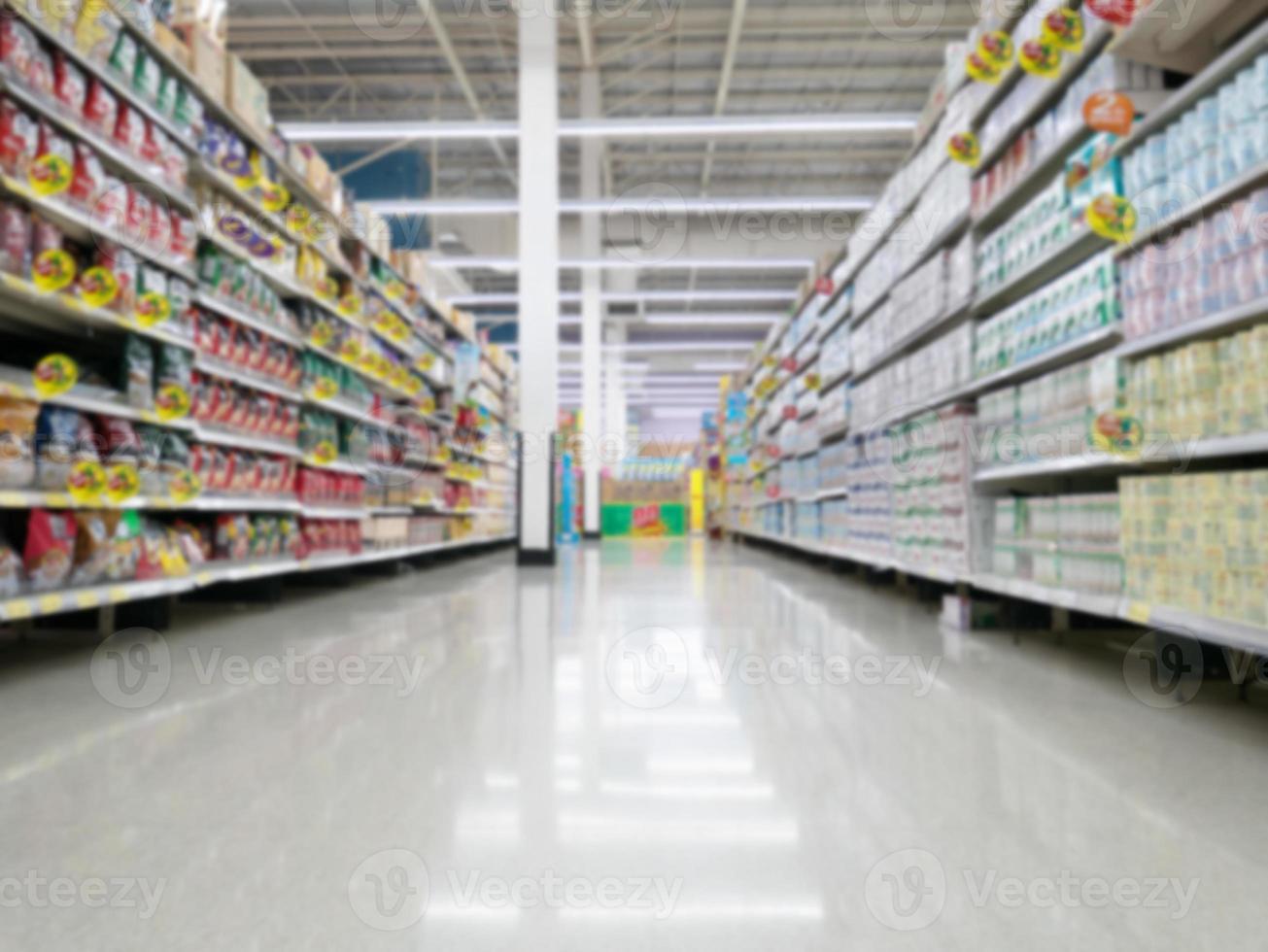 faire du shopping dans le magasin de supermarché en Thaïlande photo