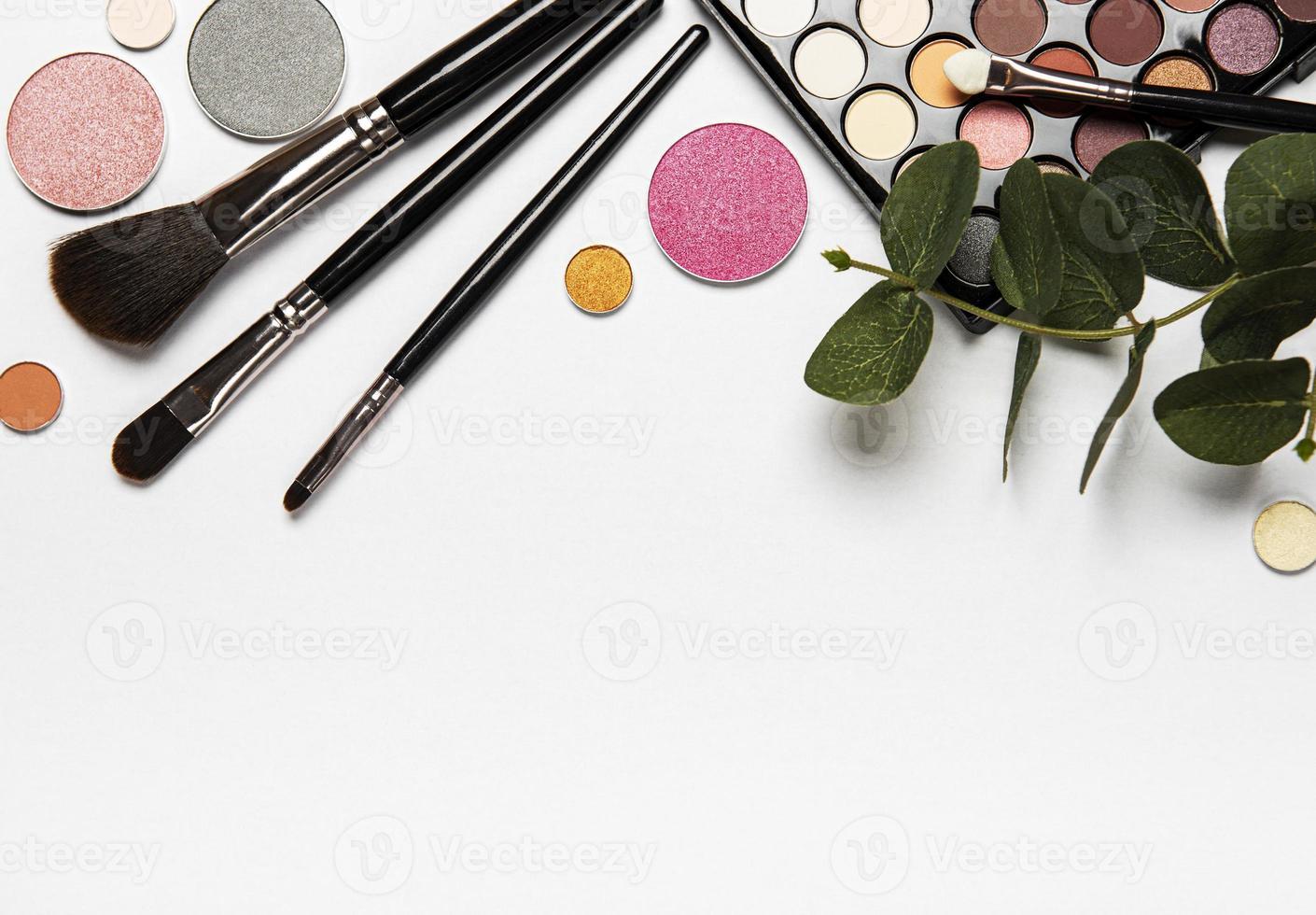 ensemble de cosmétiques avec espace copie photo