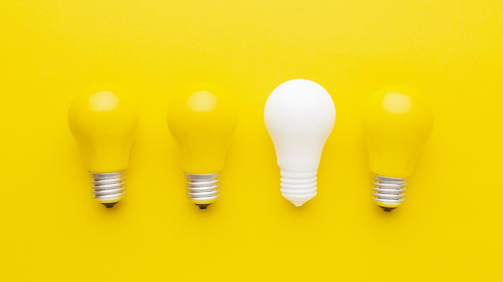 mise à plat des ampoules jaunes photo