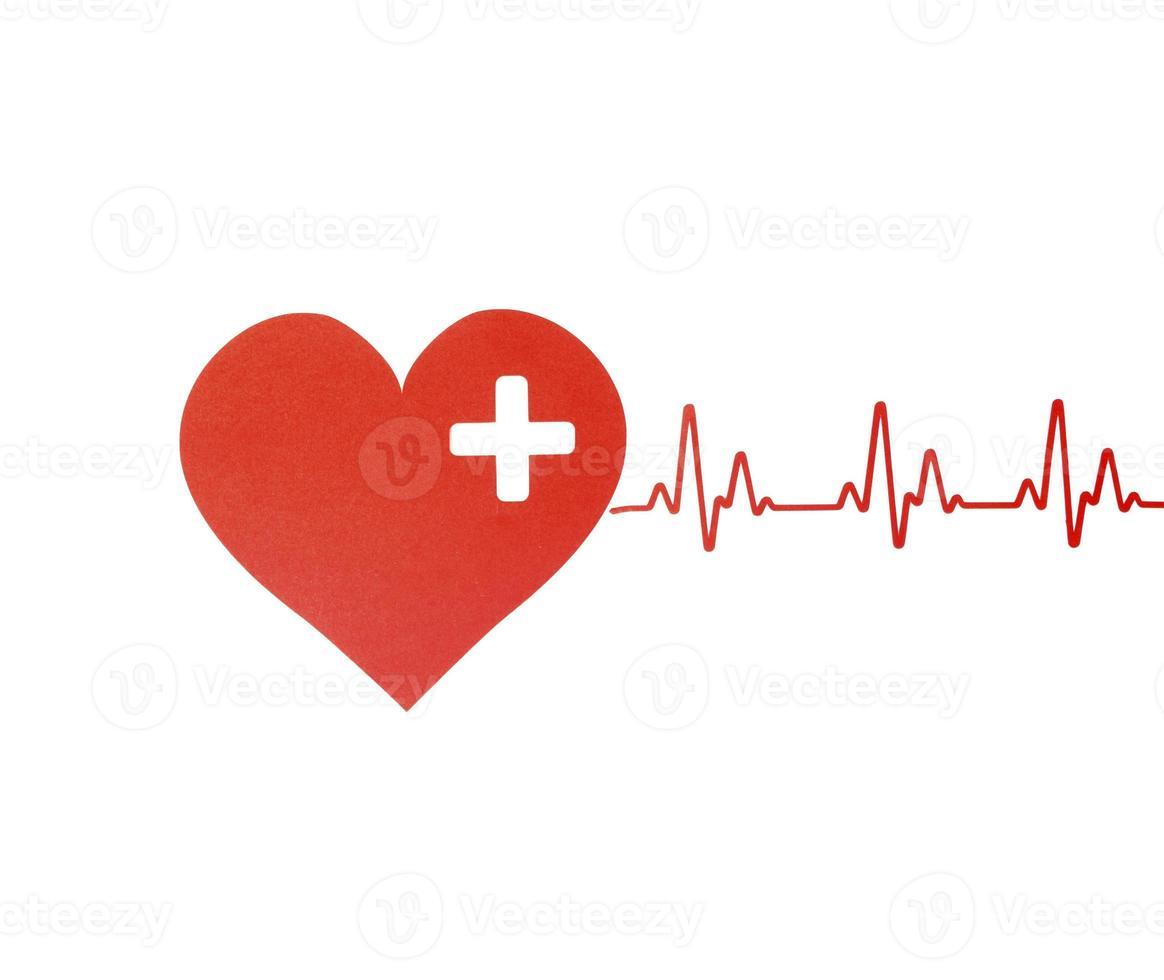 vue de dessus du coeur en papier avec rythme cardiaque pour la journée mondiale du coeur photo