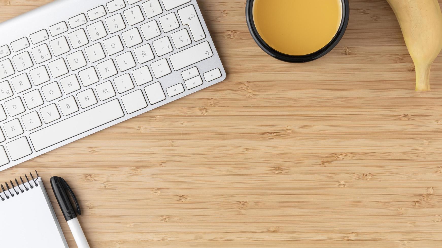 arrangement de bureau plat avec espace de copie photo