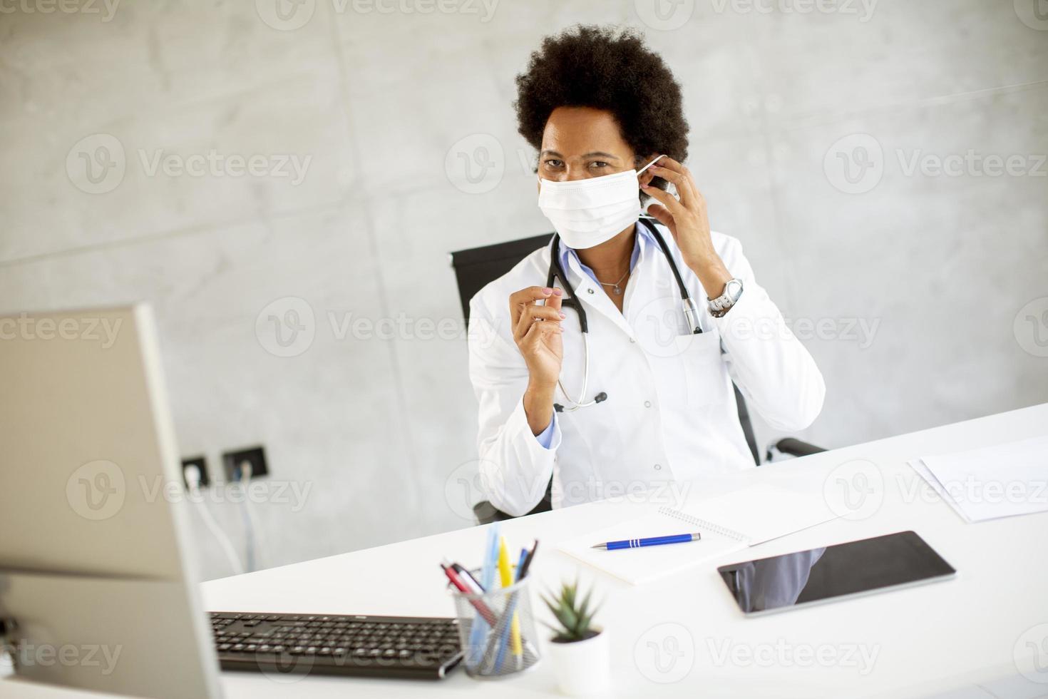 docteur, mettre masque, bureau photo