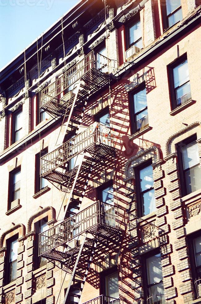 escalier de secours sur le bâtiment photo