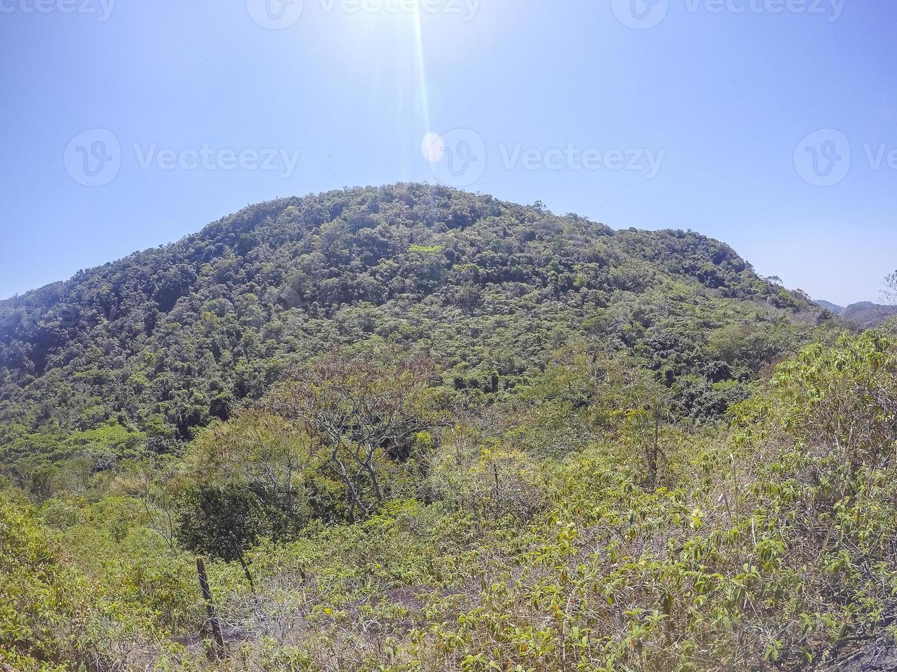 vue sur la piste tupinamba à niteroi photo