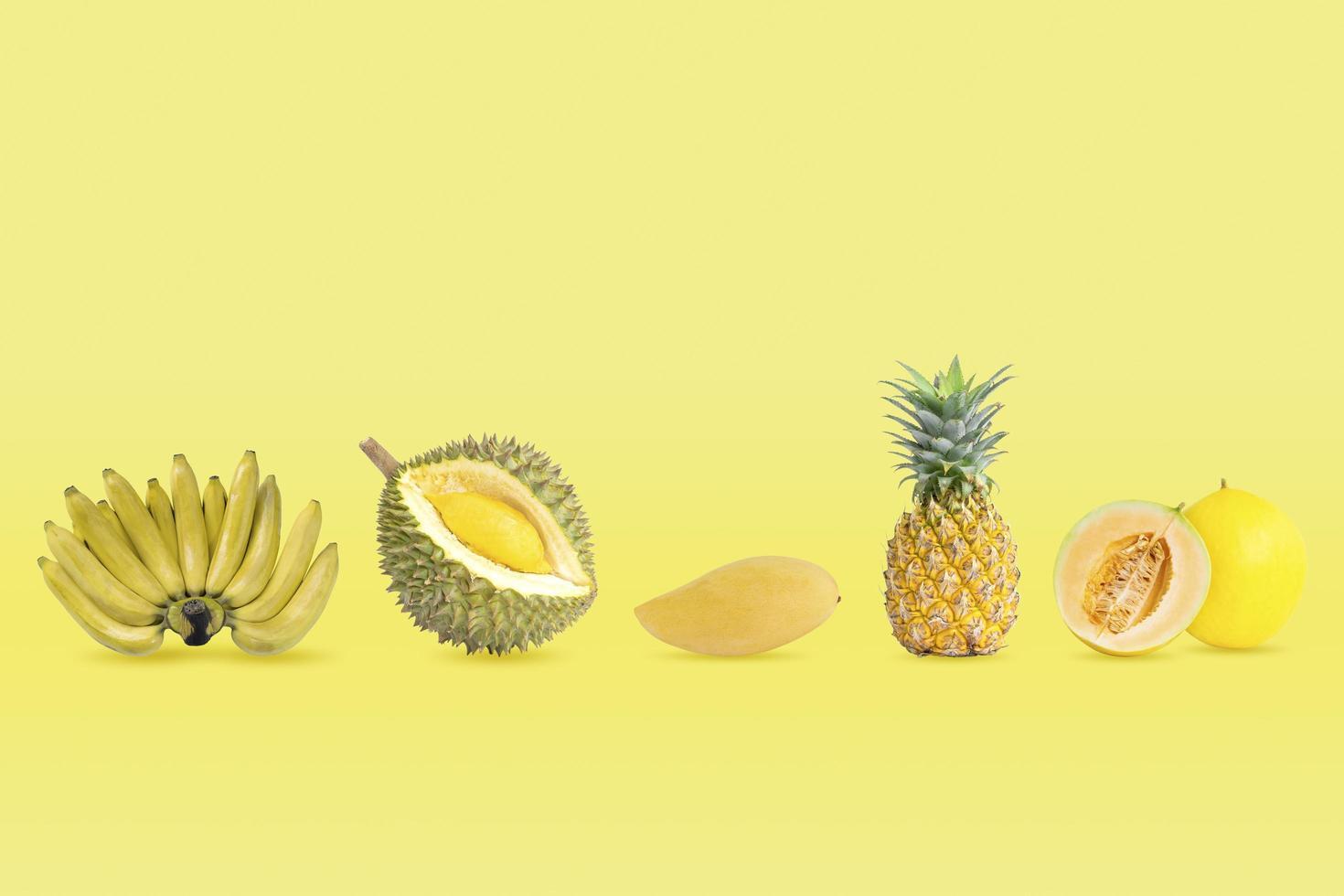 collection de groupe de fruits de couleur jaune photo
