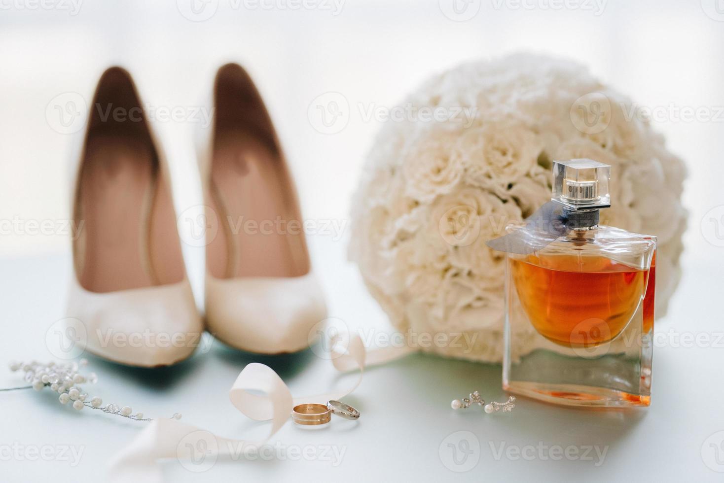 anneaux de mariage en or photo