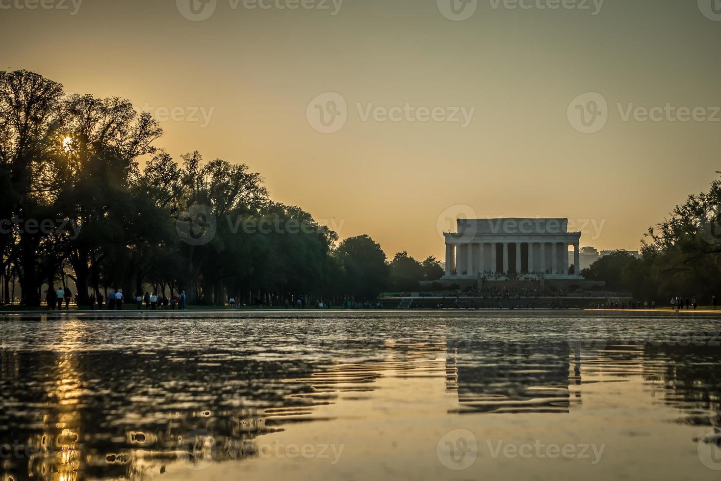 Lincoln Memoril au coucher du soleil à Washington DC photo