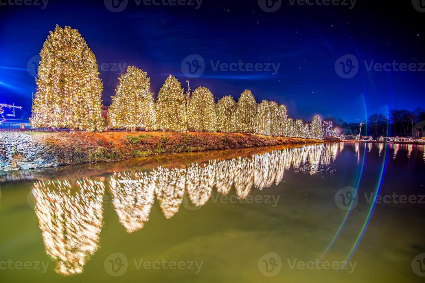 décorations de noël en plein air à la ville de noël usa photo