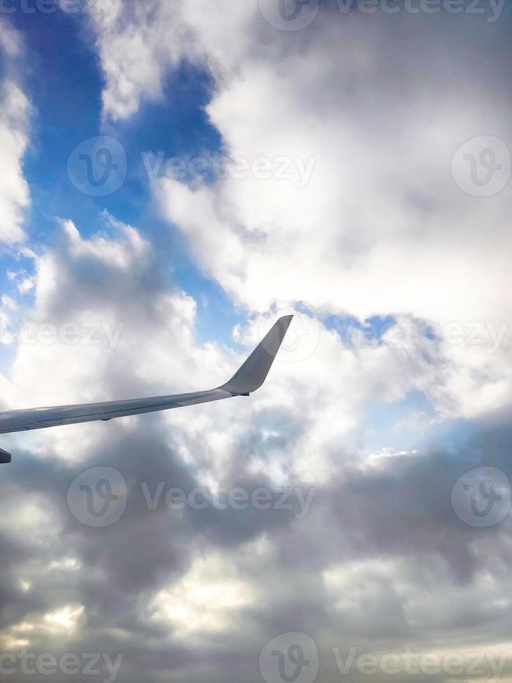 la vue depuis le hublot de l'avion photo