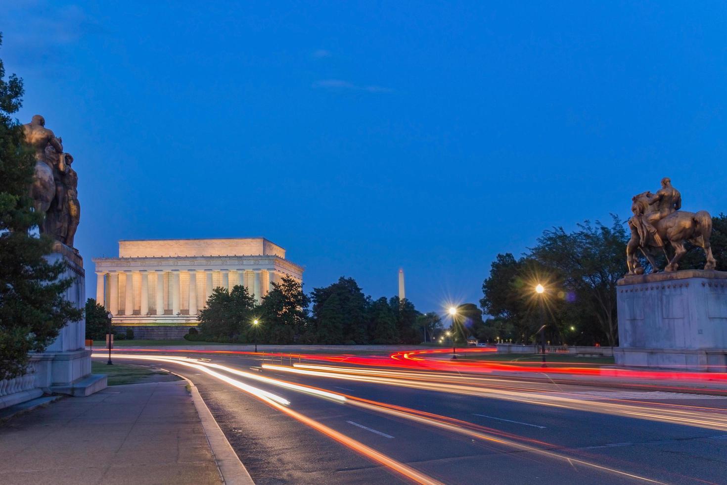 Mémorial de Lincoln la nuit. photo