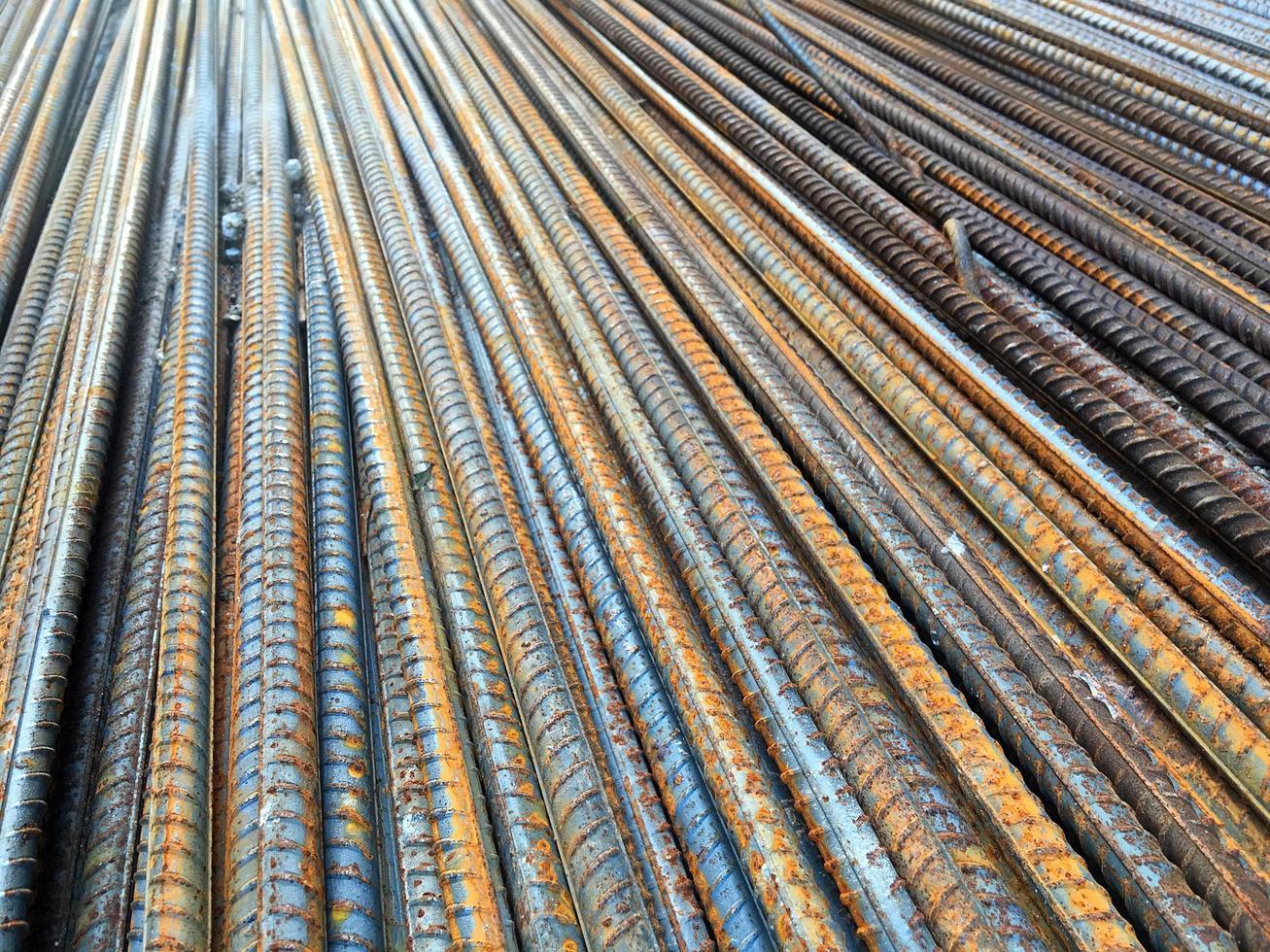 concept de construction industrielle en fer métallique photo