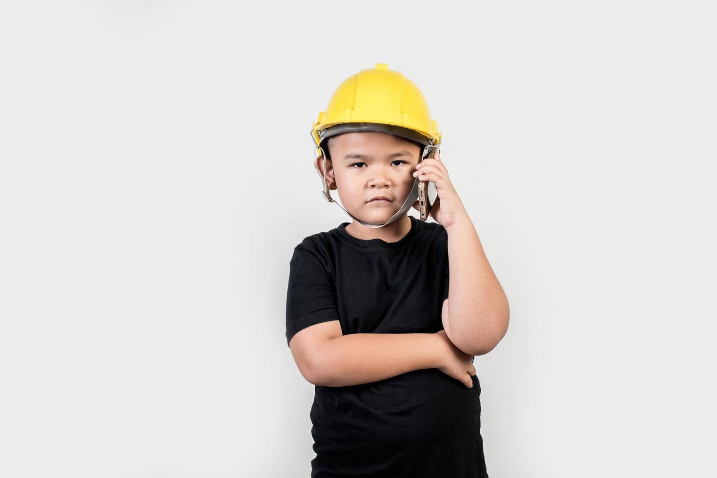 garçon, ingénierie, parler, smartphone, projet, à, partenaire photo