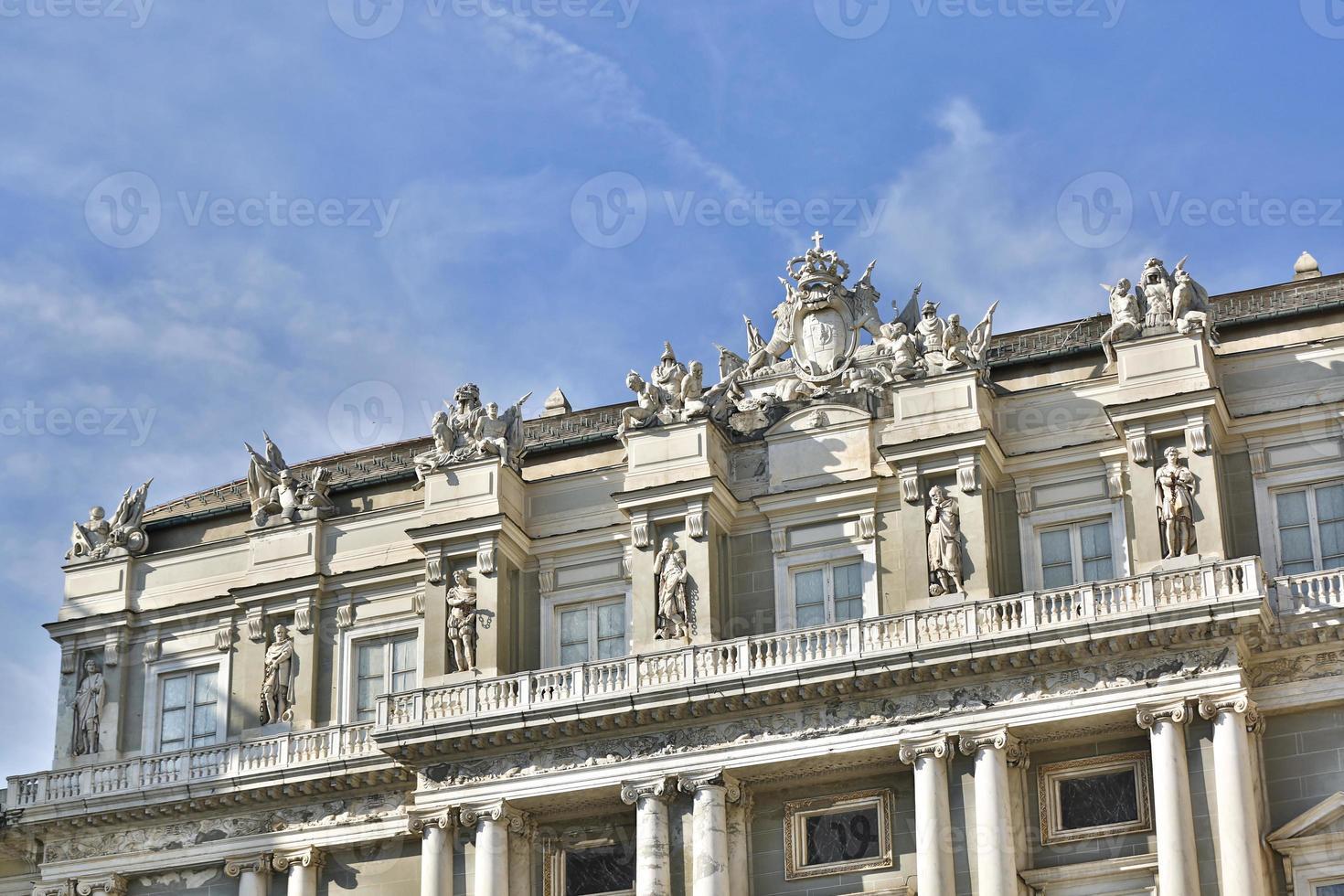 palazzo ducale dans le centre-ville de genova photo