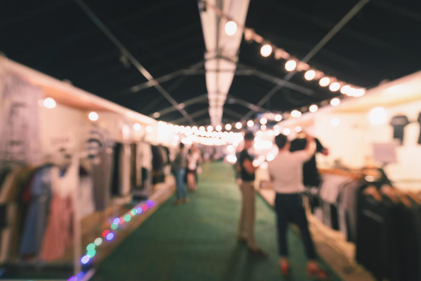 marché de rue de nuit photo