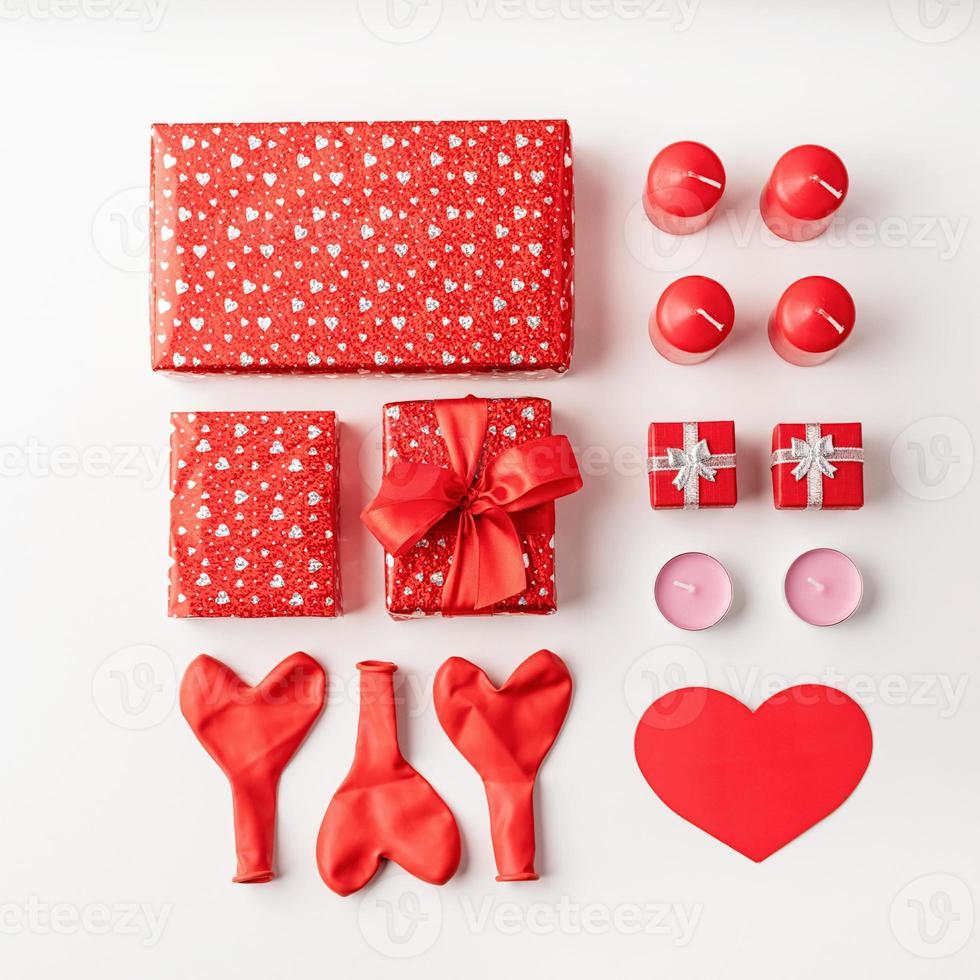 décorations d'objets knolling pour la saint valentin photo