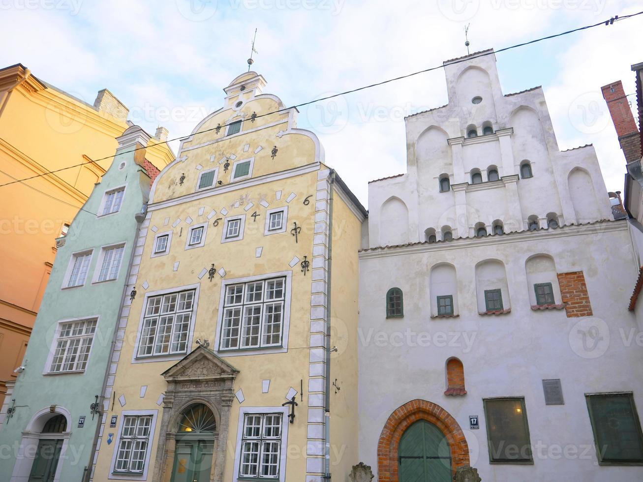 architecture les trois frères en lettonie riga vieille ville photo