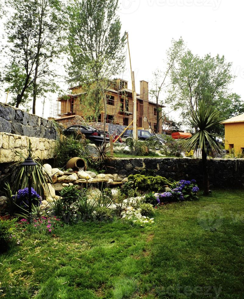 villas en bois de luxe dans la forêt, Istanbul, Turquie photo
