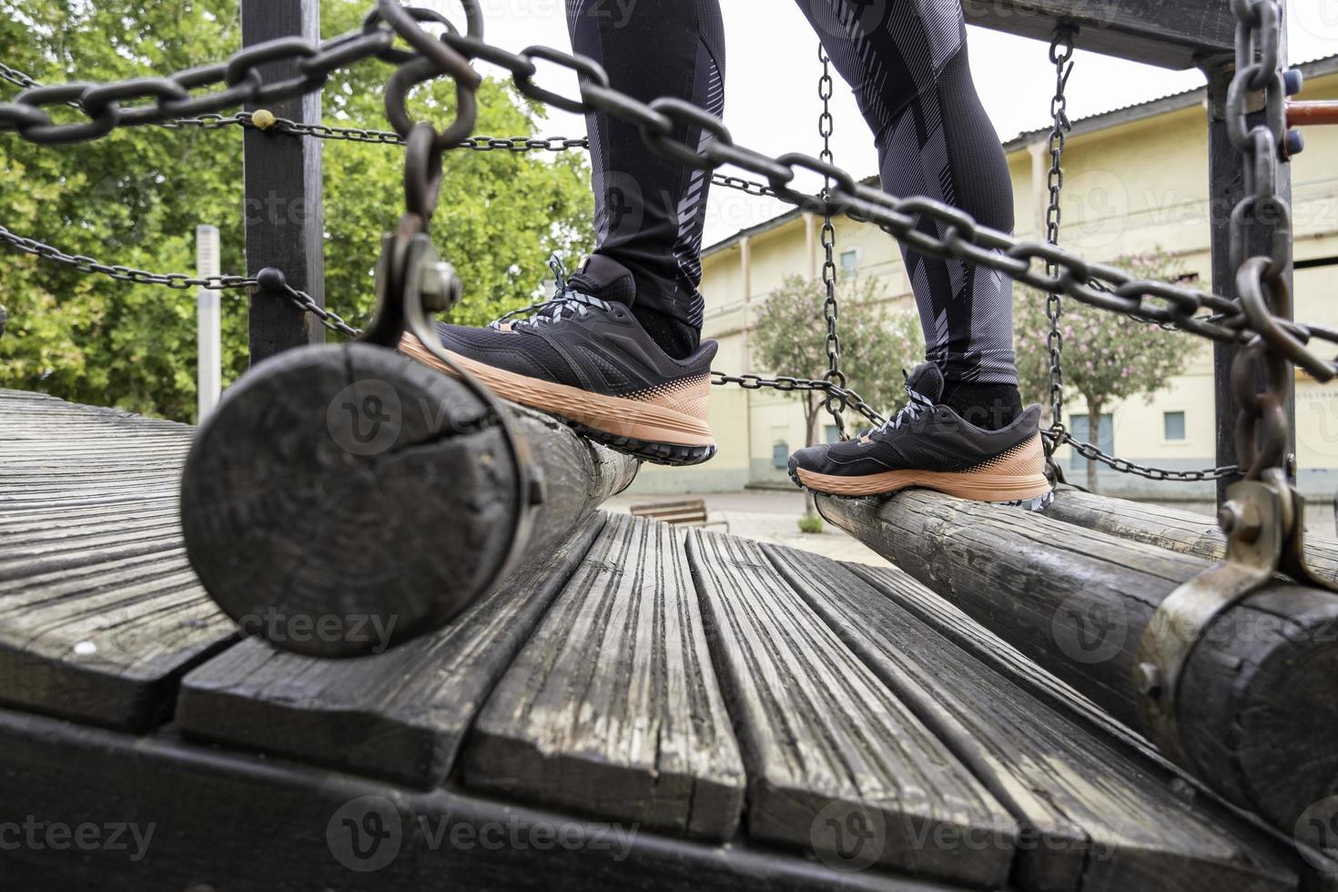 pont en rondins de bois photo