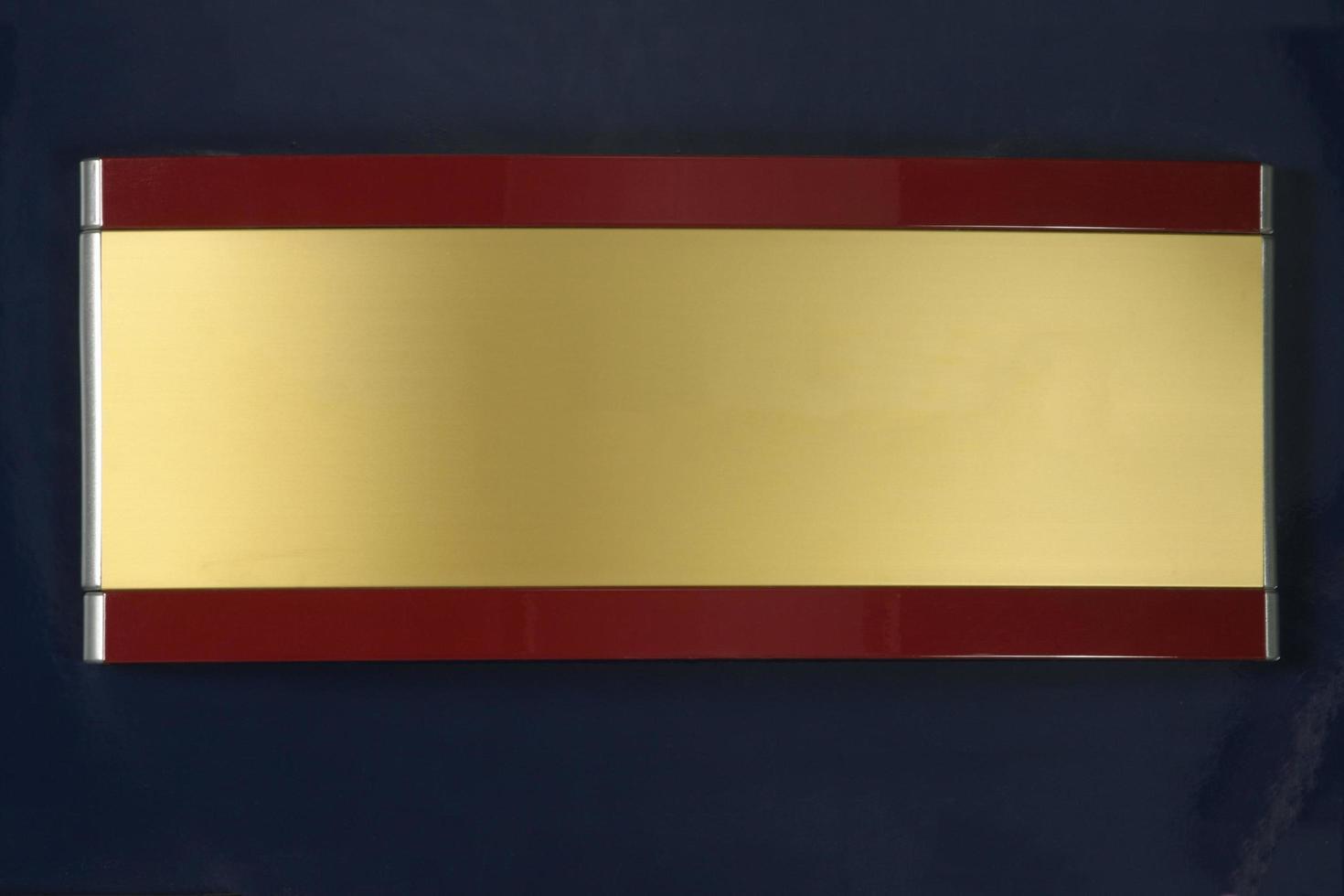 panneau d'affichage accroché au mur photo