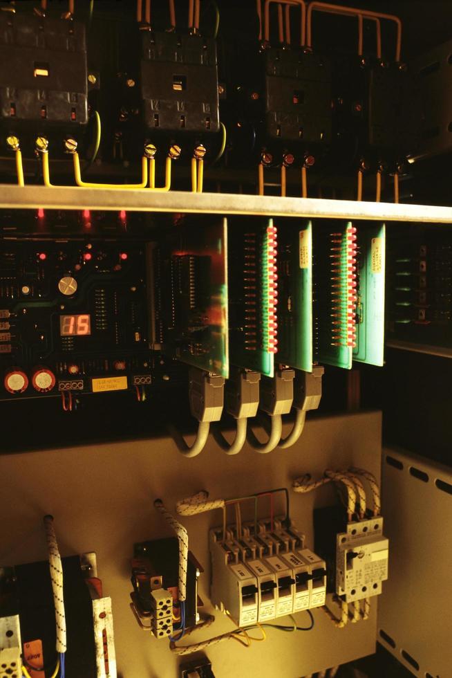 unités de contrôle pour ascenseurs modernes entièrement électroniques photo