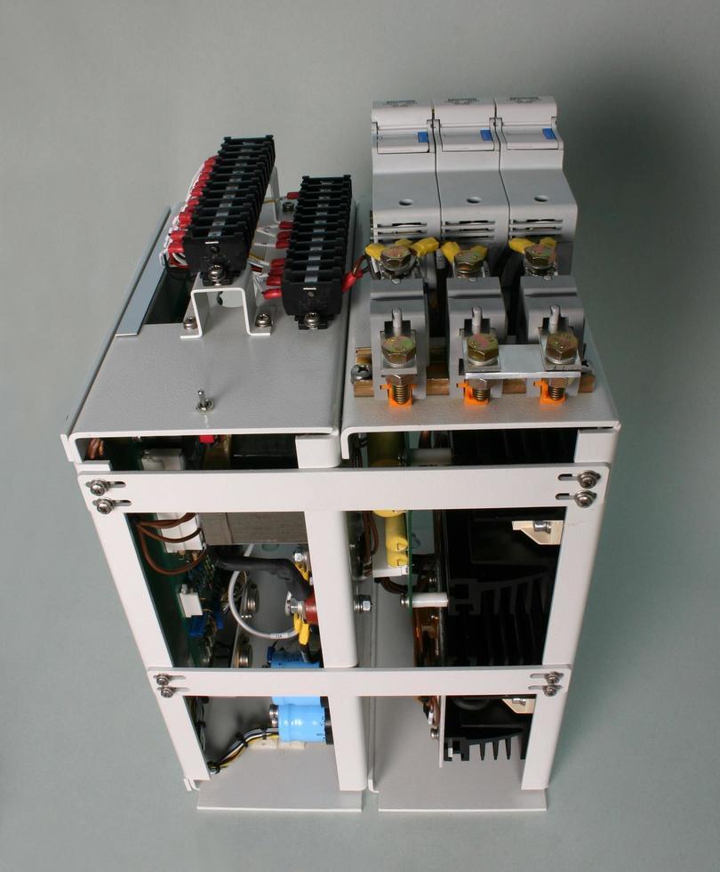 carte électronique pour ordinateurs et unités de contrôle électroniques. photo