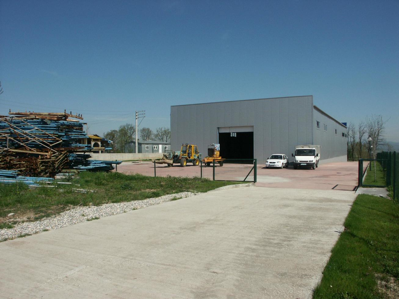entrepôt ou bâtiment industriel polyvalent photo