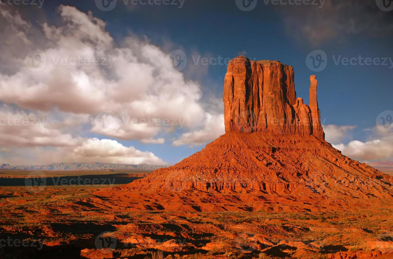 Butte à Monument Valley, nation navajo, Arizona photo