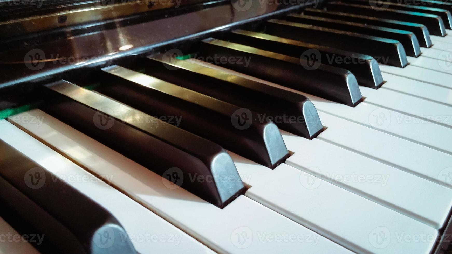 gros plan des touches du piano photo